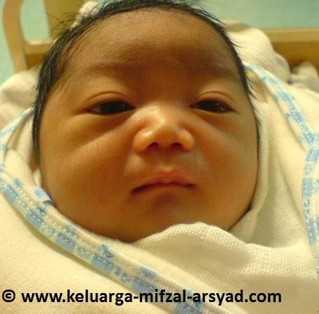 Mifzal Arsyad ketika berusia 1 hari
