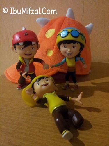 patung mainan boboiboy